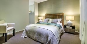 bedroom-design-truganina-coral-2400